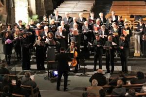 Les six solistes devant le chœur